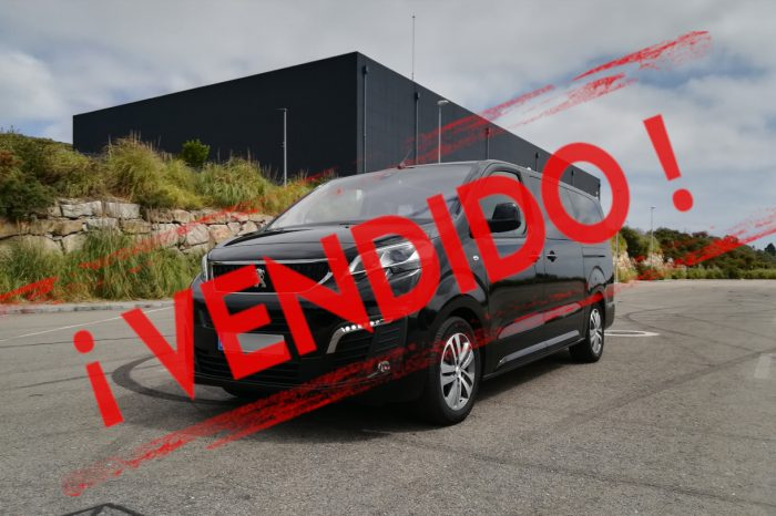 PEUGEOT TRAVELLER ALLURE 8 PLAZAS LARGA